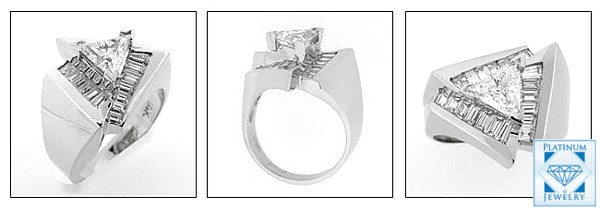 CUBIC ZIRCONIA TRIANGLE WHITE GOLD RING